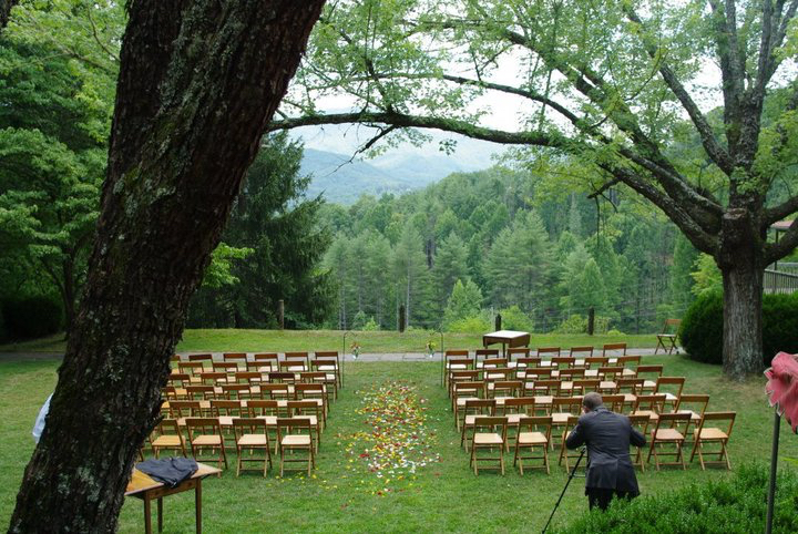 Could this be your wedding next at Hemlock Inn?
