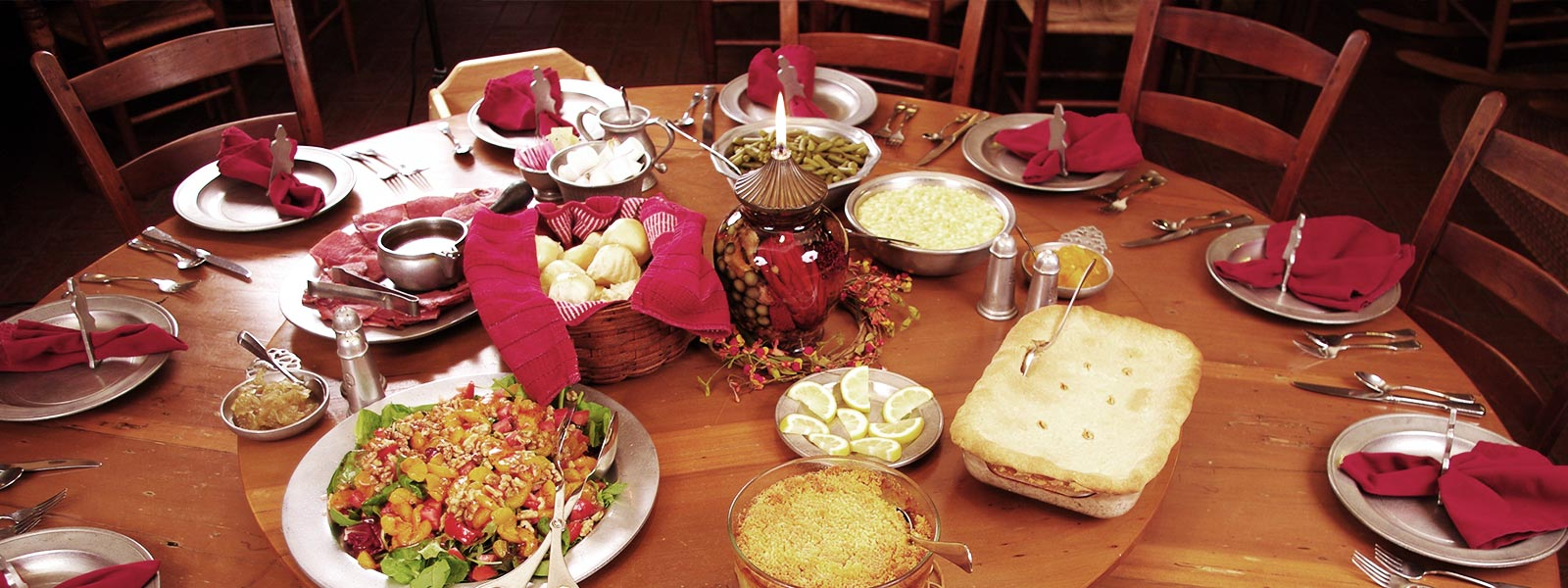 hemlock-inn-asheville-nc-cabin-meal