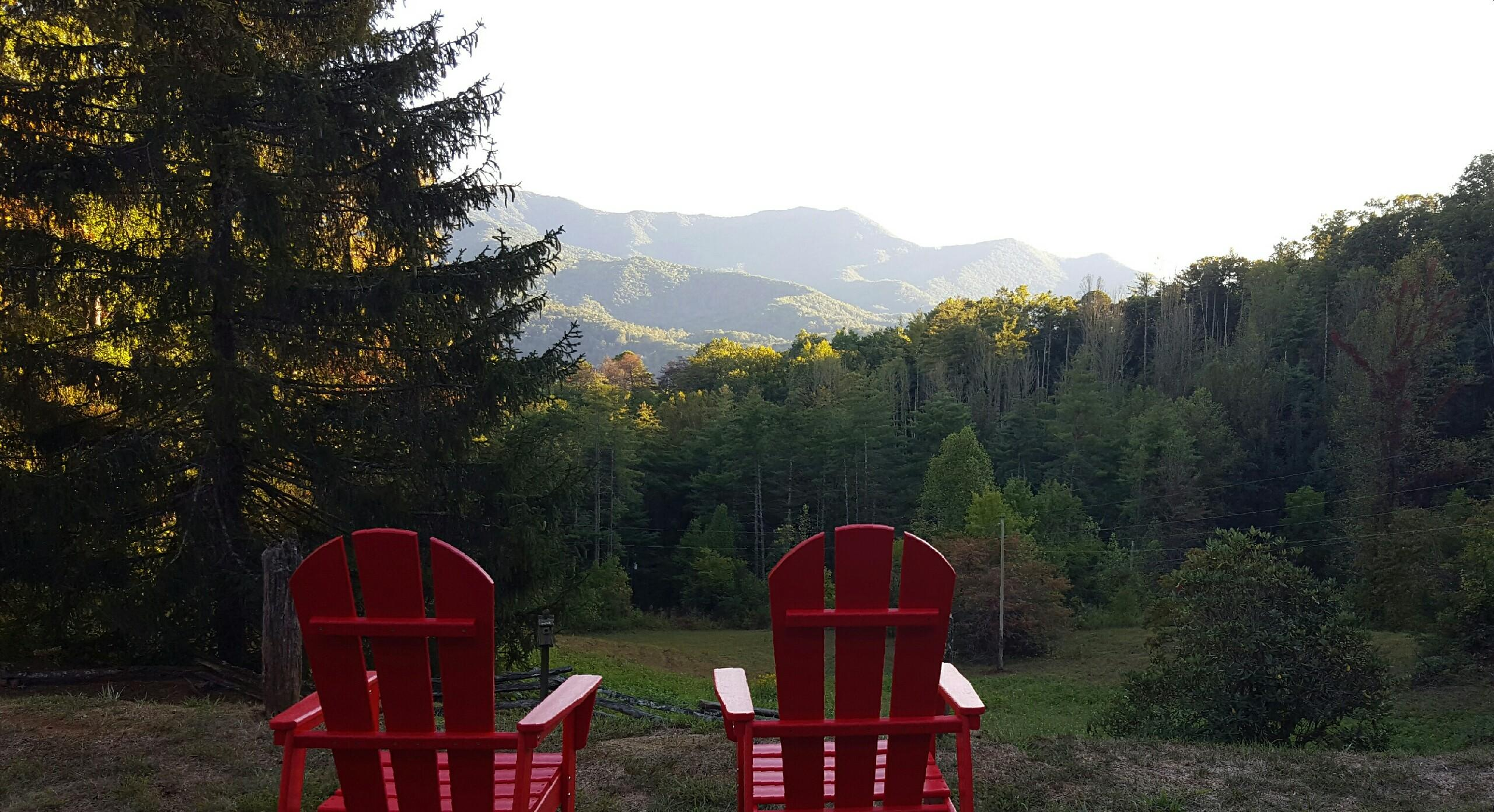 hemlock-inn-chairs-with-view