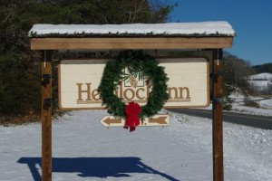 hemlock-inn-sign-christmas-wreath